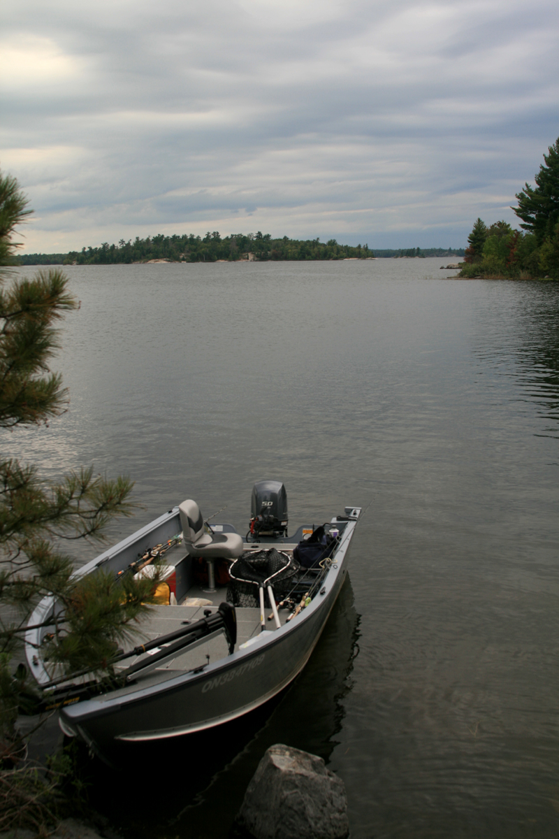 Camp narrows lodge rainy lake ontario boat rentals for Lake fishing boats